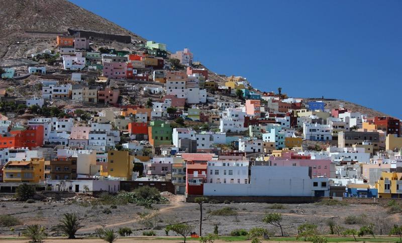 Bunte Häuser am Vulkan, Santa Maria de Guia, Gran Canaria