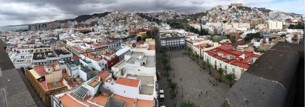 Altstadt Vegueta mit Santa Ana Platz vom Kirchturm der Kathedrale von Las Palmas aus fotografiert. Gran Canaria.