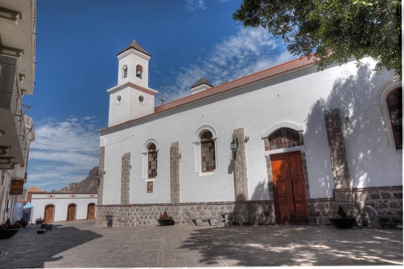 Kirche und Kirchplatz von Tejeda, Gran Canaria